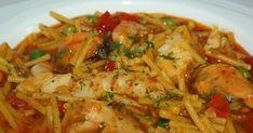 Ingredientes: ·  6 dientes de ajo ·  200 gr. de cebolla ·  200 gr. de pimiento rojo ·  100 ml. de salsa de toma...