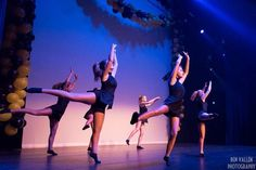 Een uitvoering van mijn dansschool waar ik zelf op het podium sta en met volle teugen geniet