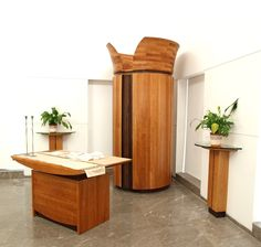 Cherry and Wenge wood Ark (Aron Kodesh) and bimah. The stark simplicity of this synagogue dictated a composition that bespoke both nobility and restraint. Art Furniture, Furniture Design, Synagogue Architecture, Made Design, Reading Table, Wenge Wood, Wood Sculpture, Sculptures, Ark