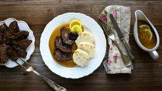 Chudák svíčková je spoustou lidí vnímána jako složité jídlo, přitom náročná je vpodstatě jen na čas pečení. Pojďte snámi očistit její pověst apotvrdit si, že na této české klasice není nic těžkého – snad jen kromě vašeho bříška, když si jdete podruhé přidat! Food And Drink, Beef, Recipes, Meat, Ripped Recipes, Cooking Recipes, Steak