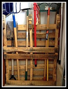 Garden Tool Pallet Organizer @Megan Horne, this would be good stuck to the side of the shed in the Junior yard.