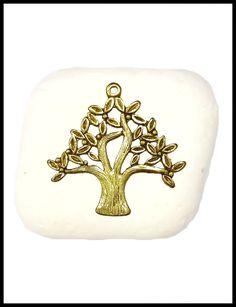 Μπομπονιέρα σε πέτρα με δέντρο