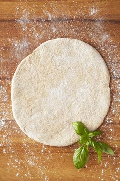 Homemade pizza dough using a food processor. Oz (uses part whole wheat flour… Homemade pizza dough using a food processor. Oz (uses part whole wheat flour) Healthy Pizza Dough, Healthy Homemade Pizza, Healthy Recipes, Wheat Pizza Dough, Whole Wheat Pizza, Pizza Background, Kale Pizza, Food Backgrounds, My Favorite Food
