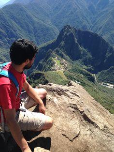 En la cima de montaña machupichu