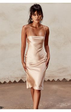 'Julieta' is crafted from a soft and lustrous satin that's cut on the bias to caress your curves and has spaghetti straps that cross over at the back. Slip Dress Outfit, Dress Outfits, Dress Up, Fashion Outfits, Satin Dresses, Slip Dress Silk, Satin Bodycon Dress, Pretty Dresses, Beautiful Dresses
