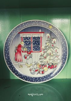 Christmas plate Christmas Plates, Keep Cool, Founded In, Cellar, Mom, Cool Stuff, Mothers, Christmas Dishes