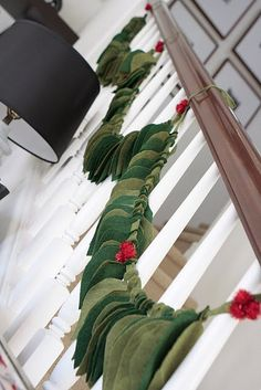 DIY holiday felt leaf garland/via me oh my