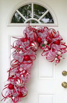 Deco Mesh Candy Cane Wreath Christmas Mesh Wreaths by LuxeWreaths Christmas Door, All Things Christmas, Christmas Holidays, Christmas Ornaments, Christmas Candy, Wreath Crafts, Christmas Projects, Holiday Crafts, Wreath Ideas