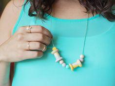 Cómo hacer un collar con cuentas de madera  #diy #handmade #crafts