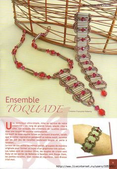 Bugle Bead Bracelet: Embellished Ladder Stitch using 12mm Bugles. Very nice! No Pattern in English, but easy to work out yourself.