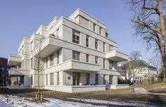 In Bussum zijn drie appartementenvilla's naar ontwerp van LEVS architecten opgeleverd.