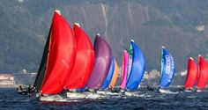 veleiros com velas coloridas - Pesquisa Google