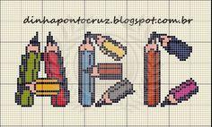Um maravilhoso fim de semana a todos!  Atendendo a pedidos dois monogramas escolares novos:                                                 ...