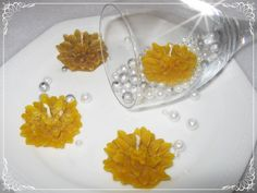 Méhviasz virág (K) úszógyertya 10 db, Esküvő, Dekoráció, Esküvői dekoráció, Meghívó, ültetőkártya, köszönőajándék, Meska