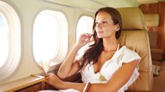 Skin Care DIY Illustration Description A good in-flight skin-care routine is key. This is how a beauty editor ensures her skin looks great when she lands. Sugar Baby, Beauty Care, Beauty Hacks, Beauty Tips, Beauty Products, Skin Products, Beauty Ideas, Flying First Class, Luxury Private Jets