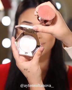 Pin by shravanthi neralla on make-up tutorials makyaj look, makyaj fikirler Makeup Box, Diy Makeup, Beauty Makeup, Makeup Goals, Makeup Inspo, Makeup Inspiration, Genius Makeup Hacks, Natural Eye Makeup, Free Makeup