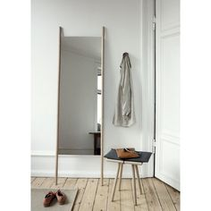 haus® is official stockist of all Skagerak furniture. The Georg mirror has a simple design. The poles frame the mirror acting as supports. Plywood Furniture, Furniture Decor, Living Room Furniture, Furniture Design, Living Rooms, Outdoor Furniture, Hans Wegner, Design Shop, 3d Design