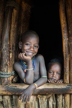 Sorria para mim! Tribo Hamar, Etiopia.