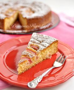 Marzipan Sponge cake with rhubarb German Cake, Rhubarb Cake, Sponge Cake, Food Cakes, Marzipan, Recipe Of The Day, Cake Recipes, French Toast, Good Food