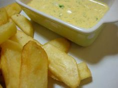 Delicious sauce for chips I Love Food, Good Food, Yummy Food, Tasty, Veggie Recipes, Cooking Recipes, Salty Foods, Portuguese Recipes, Creative Food