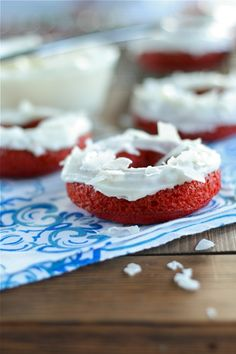 Red Velvet coconut Doughnuts Final 3 by laurenslatest Köstliche Desserts, Delicious Desserts, Dessert Recipes, Yummy Food, Red Velvet Donuts, Velvet Cupcakes, Yummy Treats, Sweet Treats, Coconut Frosting