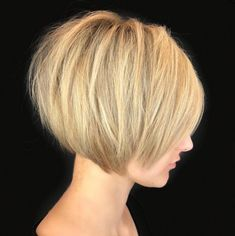 60 Classy Short Haircuts and Hairstyles for Thick Hair Short Sliced Blonde Bob - Farbige Haare Bobs For Thin Hair, Short Hairstyles For Thick Hair, Short Bob Haircuts, Short Hair Styles, Curly Hairstyles, Hairstyle Men, Formal Hairstyles, Thick Haircuts, Medium Hairstyles