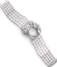 Piaget Rose - Limelight Garden Party watch with case-spring. Case in 18K white gold set with 1023 brilliant-cut diamonds (approx. 8 cts). White mother-of-pearl dial. Bracelet consisting of 130 white Akoya pearls and a clasp set with 93 brilliant-cut diamonds ♥✤ | Keep the Glamour | BeStayBeautiful