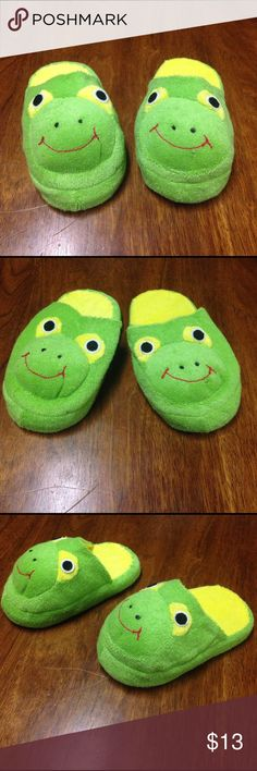 """NWOT Frog Slippers 6""""-- I have 10 pairs available. 6"""" frog slippers brand new without tags. I have multiple available. Shoes Slippers"""