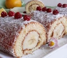 Porsiyonluk Rulo Pasta A portioned roll cake that you can't get enough of a soft and delicious cake taste …. Easy Cake Recipes, Dessert Recipes, Louisiana Chicken Pasta, Cake Tasting, Turkish Recipes, Health Desserts, Yummy Cakes, Appetizer Recipes, Food And Drink