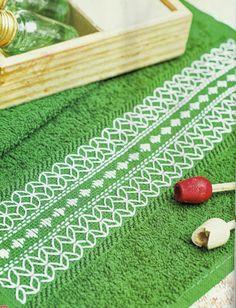 Vamos Bordar Com Juçara Medeiros: Destaque seu Lavabo com um Toque Verde!
