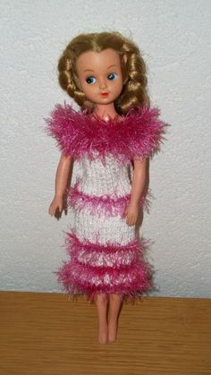 barbie kleding haken of breien. jurkje tasje stola hoed