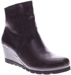 30bb00dbd98 UGG Australia Women's Pax Chelsea Wedge Boots Black Leather ...