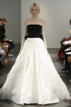 ...and she does it again. I simply adore her. Vera Wang Wedding Dresses Spring 2014
