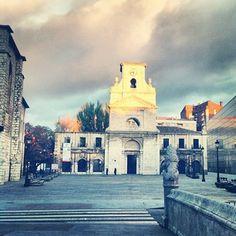 """""""Plaza de San Lesmes en #Burgos."""""""