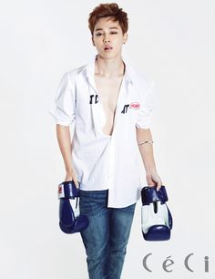 BTS/Bangtan Boys Jimin - Ceci Magazine October Issue '14 // Holy.. x_x Look at that JUST LOOK AT THAT ASDFGHJKL