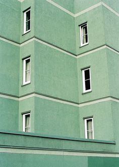 Pale mint and yet a warm, green building. - Pale mint and yet a warm, green building. Mint Green Aesthetic, Aesthetic Colors, Aesthetic Pastel, Aesthetic Grunge, Green Theme, Green Colors, Mint Color, Green Photo, Green Building