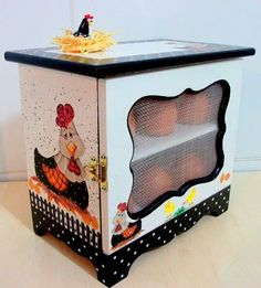♥ porta ovos Paper Mache Crafts, Wood Crafts, Diy And Crafts, Painted Boxes, Wooden Boxes, Reclaimed Furniture, Painted Furniture, Pinterest Crafts, Egg Holder