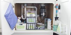 How to organize under the kitchen sink. Get rid of all the clutter and create a functional and beautiful organized cabinet. Learn exactly what organizing products to buy. Medicine Cabinet Organization, Kitchen Drawer Organization, Sink Organizer, Woodworking Organization, Medicine Cabinet Mirror, Organize Medicine, Medicine Cabinets, Wood Deck Railing, Property Design
