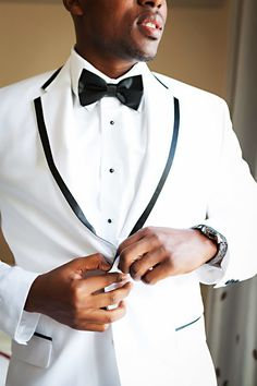 White tux, black bowtie, the new modern classic // Limelight Photography