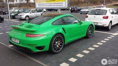 Signal Green Porsche 991 Turbo S (2).jpg (805×453)