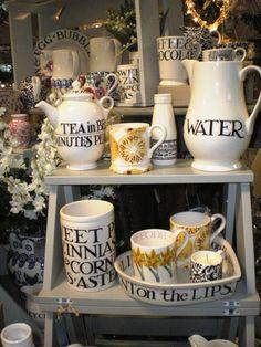 Emma Bridgewater Toast & Marmalade Source by barbaraetd Studio Room, Pip Studio, Emma Bridgewater Pottery, English Pottery, Kitchen Units, Christmas Mugs, Marmalade, Porcelain Ceramics, Tea Time