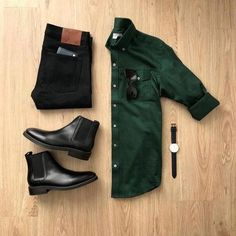 Starting the week off with a smart-casual look. Please rate this outfit bel… Starting the week off with a smart-casual look. Please rate this outfit below ⤵️ Shir Black Smart Casual, Men Casual, Casual Chic, Casual Jeans, Elegantes Business Outfit, Minimalist Outfit, Streetwear, Denim Look, Black Denim