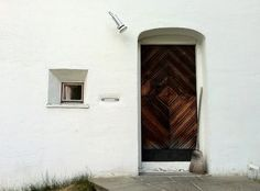 O — Rudolf Olgiati, Dado entrance, Flims Greece House, Farnsworth House, Window Detail, Clay Studio, World Of Interiors, Le Corbusier, Geometric Designs, Second Floor, Fresco