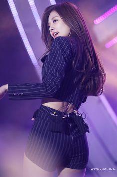 Twice-Tzuyu 190428 SBS super concert Kpop Girl Groups, Korean Girl Groups, Kpop Girls, Korean Beauty, Asian Beauty, Tzuyu Body, Tzuyu Twice, Stage Outfits, Beautiful Asian Women