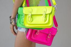 Bolsas👜👛 discovered by Barpotter on We Heart It Cambridge Satchel, Neon Bag, Back Bag, Hipster Girls, Neon Colors, True Colors, Bright Colors, Wholesale Fashion, Backpacks