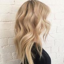 blonde balayage looks Neutral Blonde Hair, Balayage Hair Purple, Medium Blonde Hair, Blonde Hair Shades, Light Blonde Hair, Honey Blonde Hair, Platinum Blonde Hair, Light Hair, Blonde Balayage