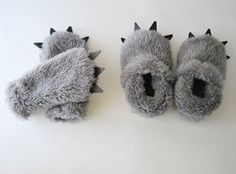 Baby Wolf Mittens and slippers by babycricket
