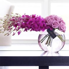 a3867544e7729529f75372afc36083ca.jpg (600×600) Purple Orchids, Purple Rose, Pink Roses, Love Flowers, Fresh Flowers, Luxury Flowers, Purple Centerpiece, Floral Centerpieces, Flower Bowl