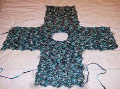 Voici un nouveau petit pull pour Elise. Il se tricote d'une seule pièce, avec de grosses aiguilles : ça va très très vite ! Il convient ...
