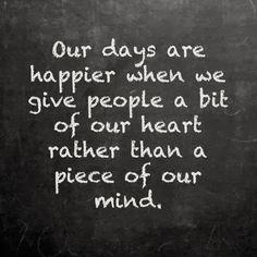 Man kann sich nicht immer hinter einer Schutzmauer verstecken. Manchmal muss man loslassen und ein Stück des Herzens geben, um eins zu bekommen.